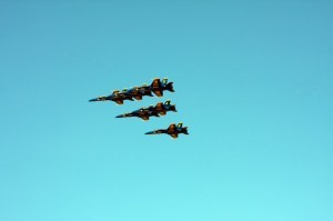 Blue-Angels-Dyn-300x199